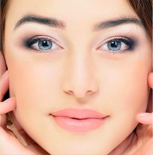Como cuidar la piel a los 30, es un aspecto fundamental para las mujeres de dicha edad para seguir sintiéndose joven