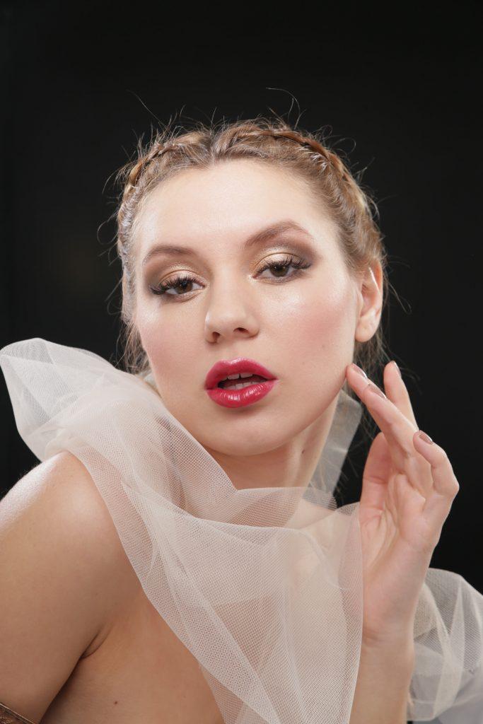 modelo maquillada