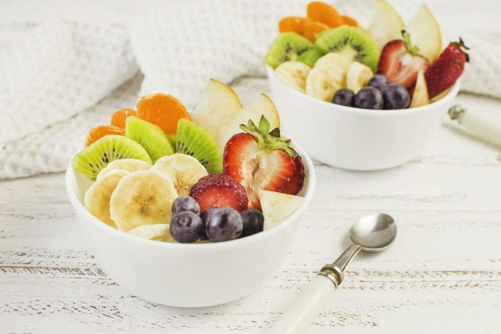 Porciones de fruta cortada