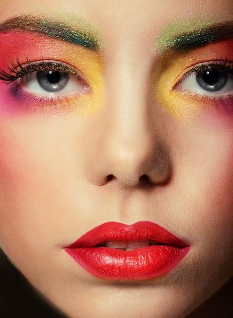 7 consejos de como pintarse los labios y luzcan increíbles.