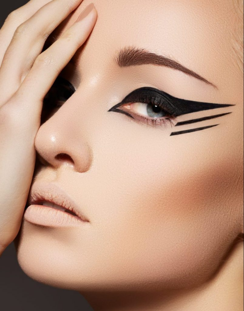 Maquillaje de ojos estilo de gato