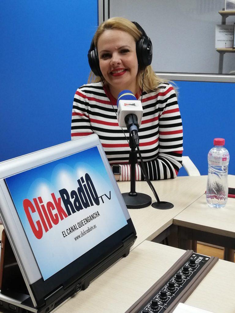 Mónica Olavarría en el programa de radio vida en equilibrio