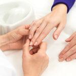 No más uñas blandas, manicura francesa