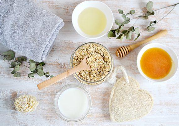 Ingredientes naturales de mascarilla de avena