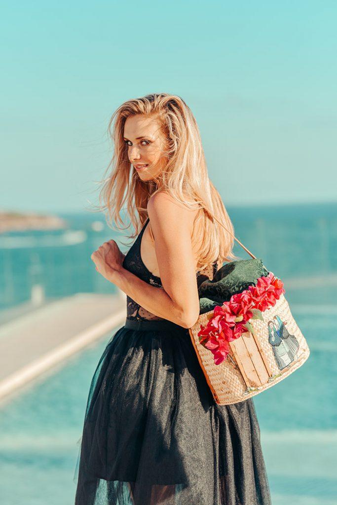 Fashion Shoot Adlib Ibiza 2020, bolso de la diseñador Dolors Miro