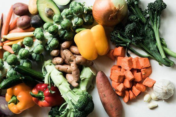 variedad de verduras aptas para una dieta saludable